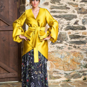 kimono chaqueta en color oro para fiesta