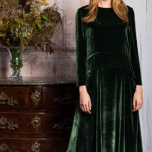 Vestido terciopelo verde ideal para fiestas y Nochevieja